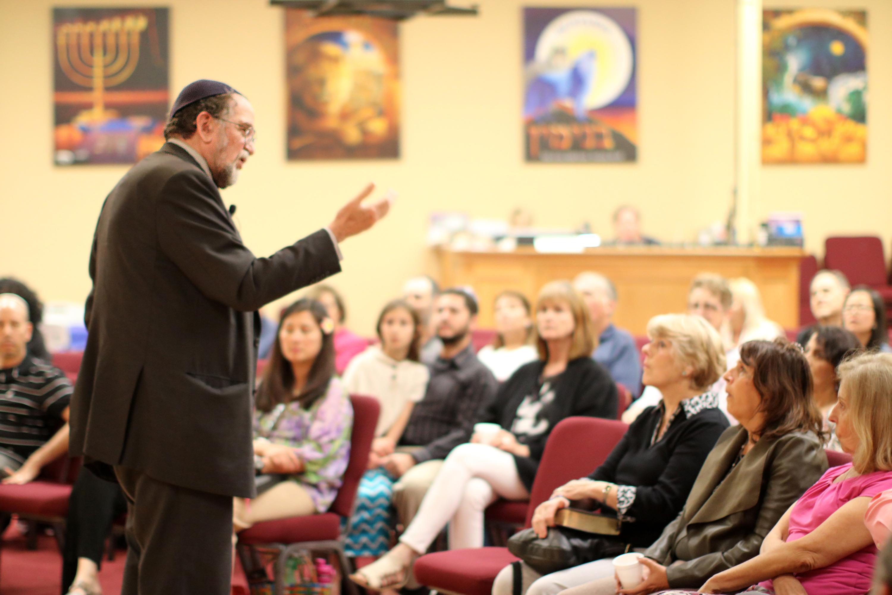 Rabbi Stuart Dauermann teaching